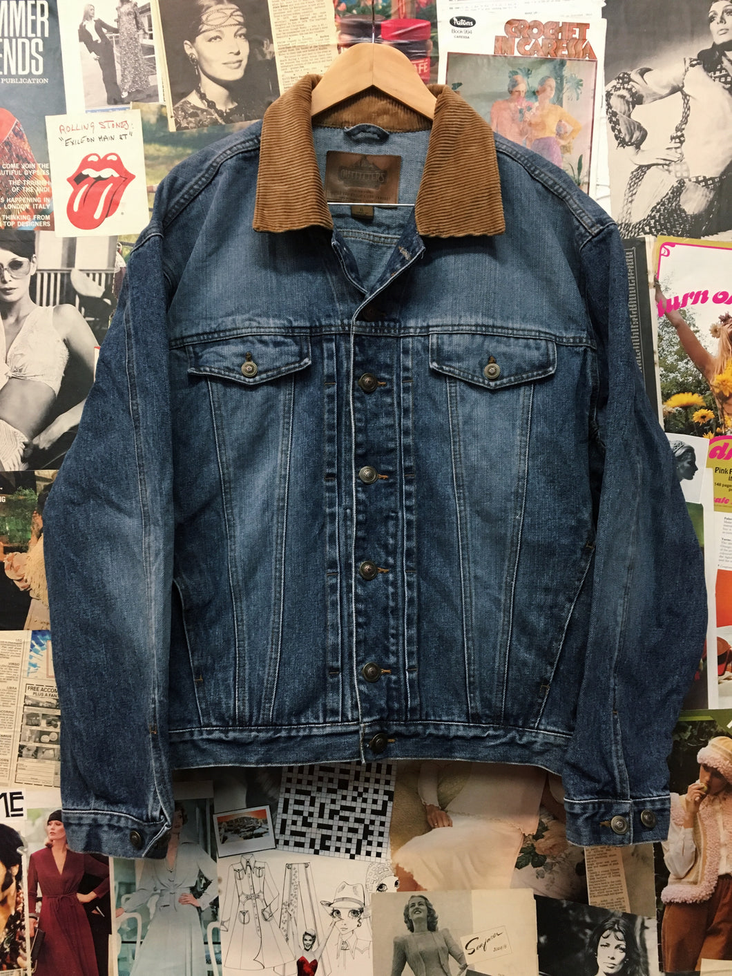 Vintage 1980s Outfitters Roundtree & Yorke Blue Denim Jacket w/ Brown Corduroy Collar