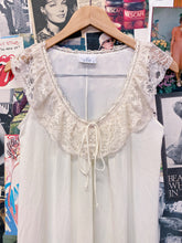 Vintage 1970s Elle Cream Babydoll Lace Bib Nightgown