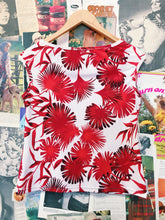 90's y2k Red & White Floral Top