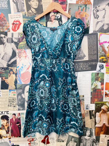 Contemporary Designer Warehouse 100% Silk Retro Flower Power Babydoll Dress