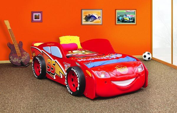 Lightning McQueen Racing Twin Car Bed