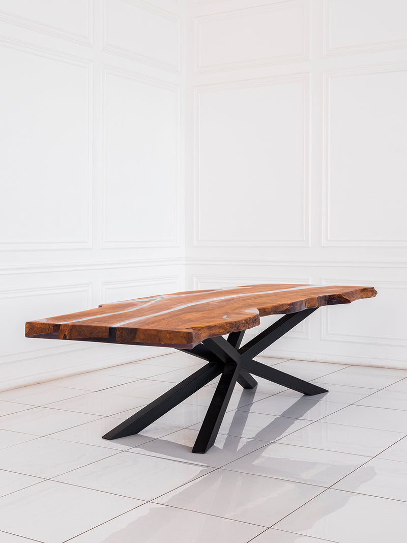 RESTO Dining Table