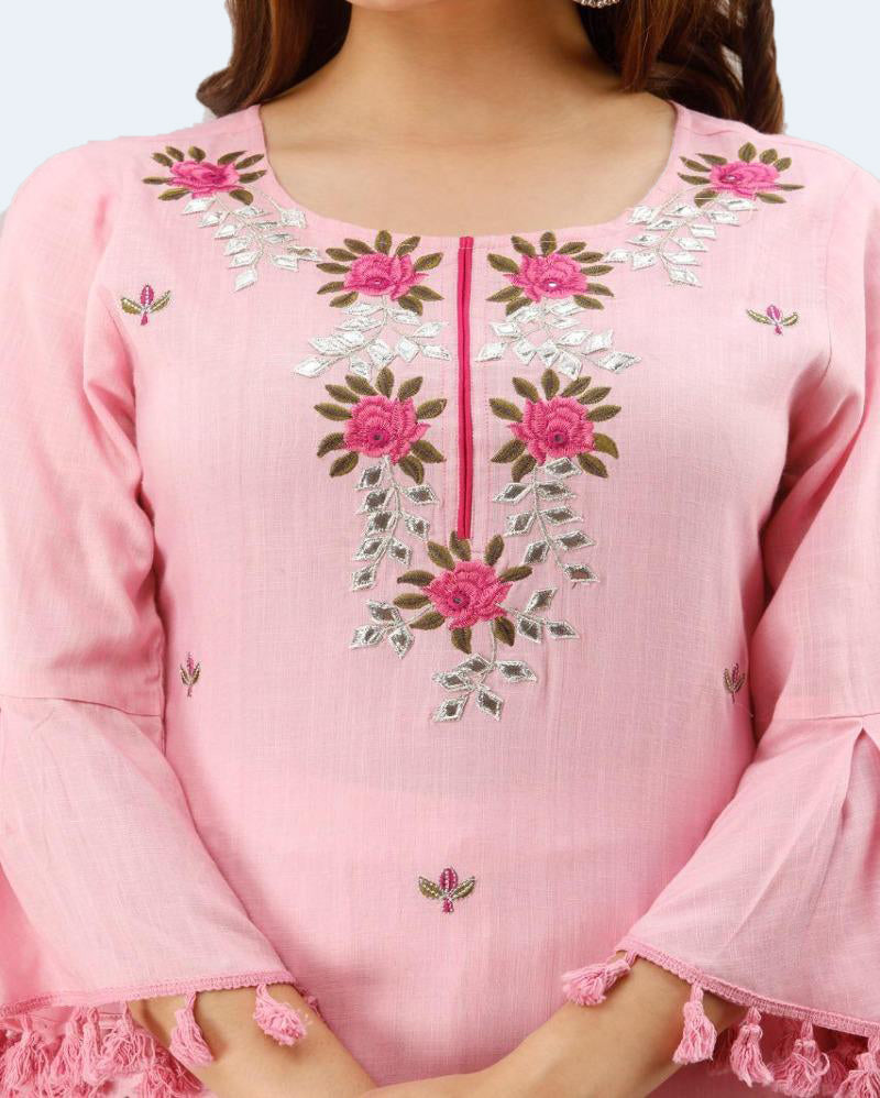 Big Embroidery Bellsleeves Pink Suitset
