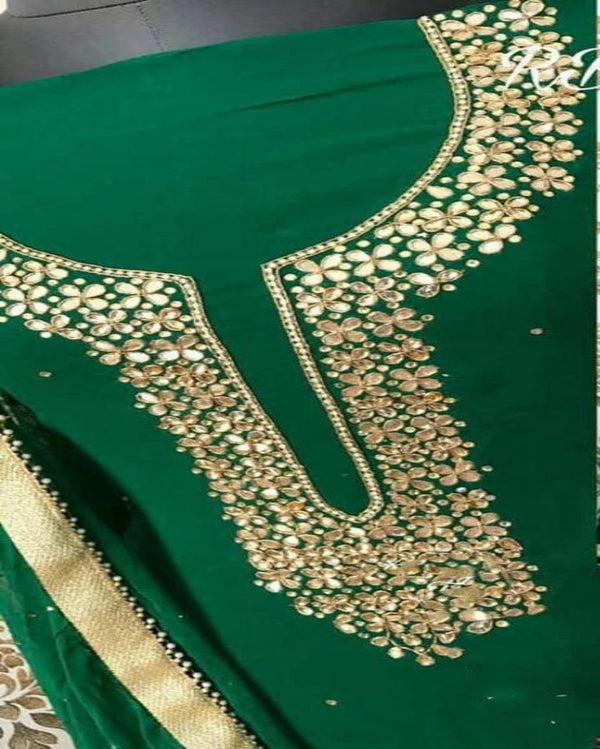 Green geogratte neck n border dressmaterial