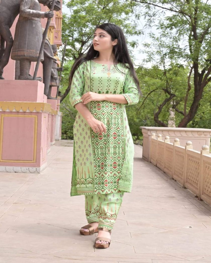 Parrot neck cut printed kurti with pant