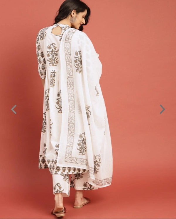 White Printed Taselled Round Suitset