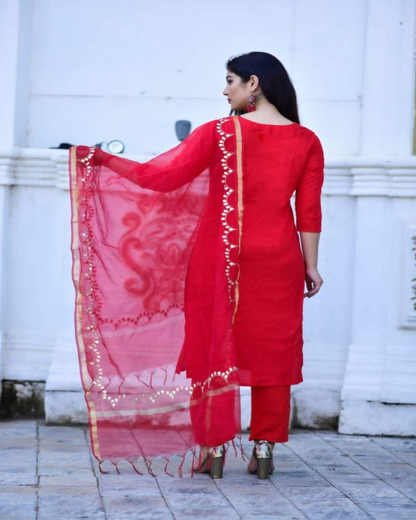 Red Chanderi Festive Suitset