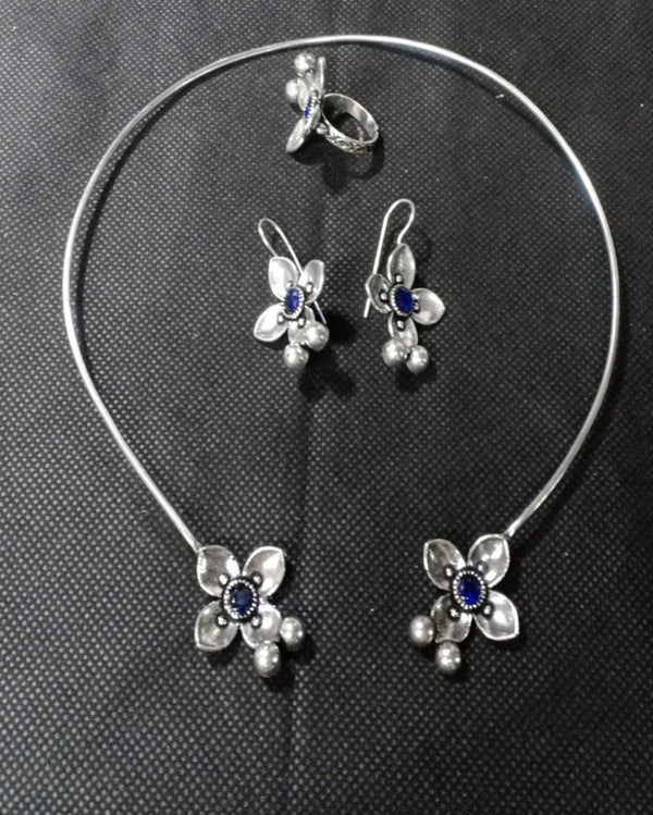 The Fancy Blue Stone Silver Necklace Set