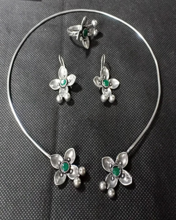 The Fancy Green Stone Silver Necklace Set