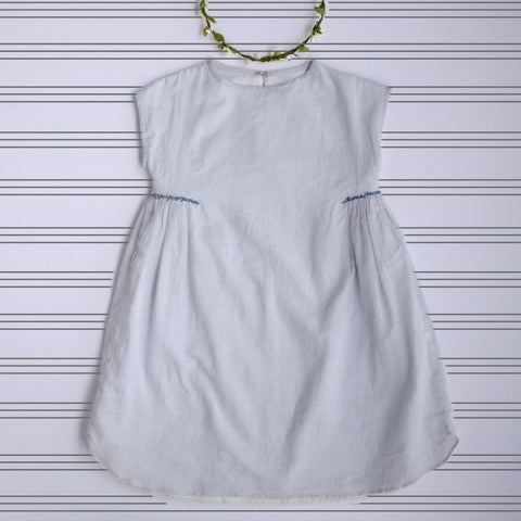 The proper dress in pale grey cotton