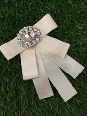 Rice White Brooch