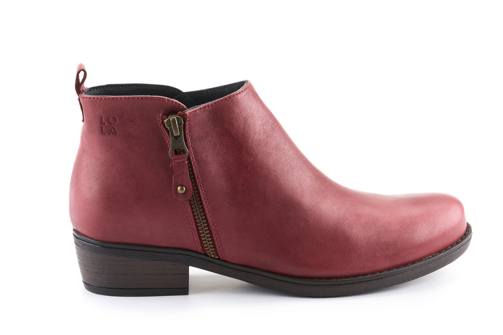 Amber Leather Ankle Bootie - Burgundy