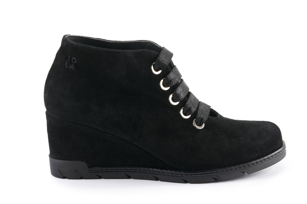 Amelia Suede Wedge Desert Boot - Black