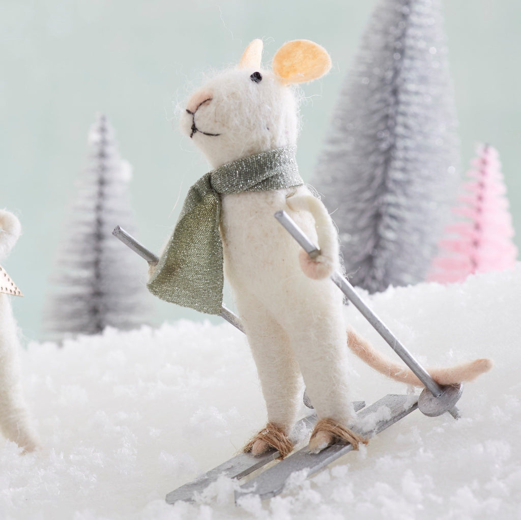 Skiing Wonderland Mouse Felt Decoration