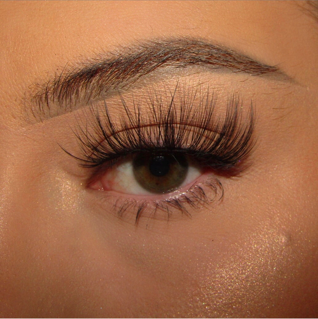 'Flutterby' Luxury Eyelashes