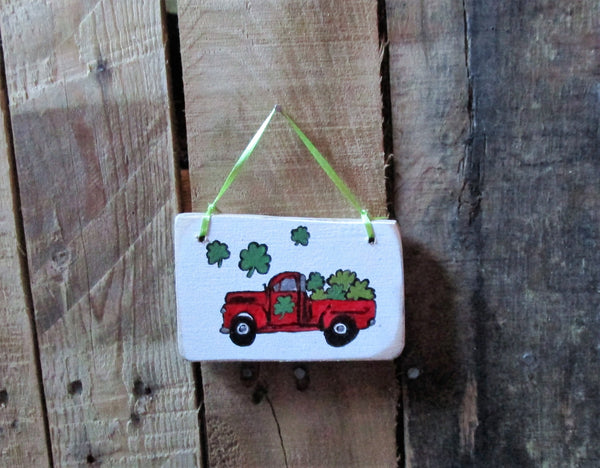 Little Red Truck St Patrick's Day: wooden ornament,gift package tie on