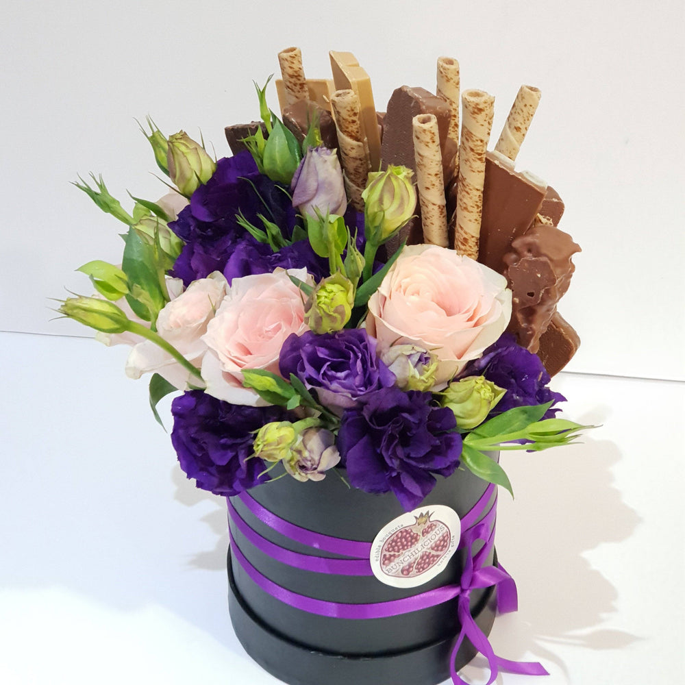 BEAUTY AND SWEET CHOCOLATE BOUQUET
