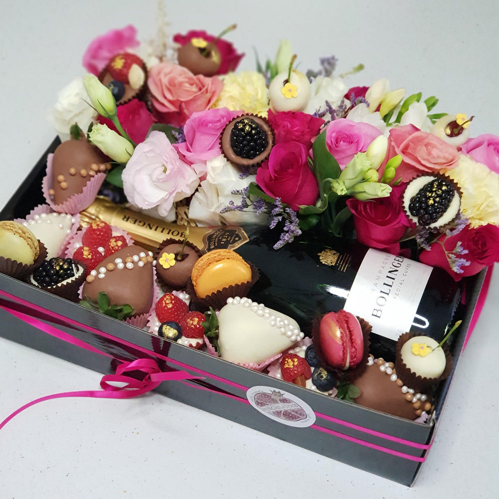 FLORAL INDULGENCE -    FAMILY HAMPER