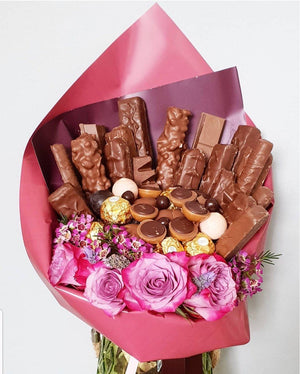 CHOCOLATE AND FLORALS - CHOCOLATE BOUQUET