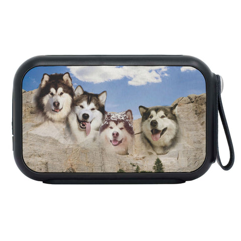 Alaskan malamute On Mount Rushmore Print Bluetooth Speaker