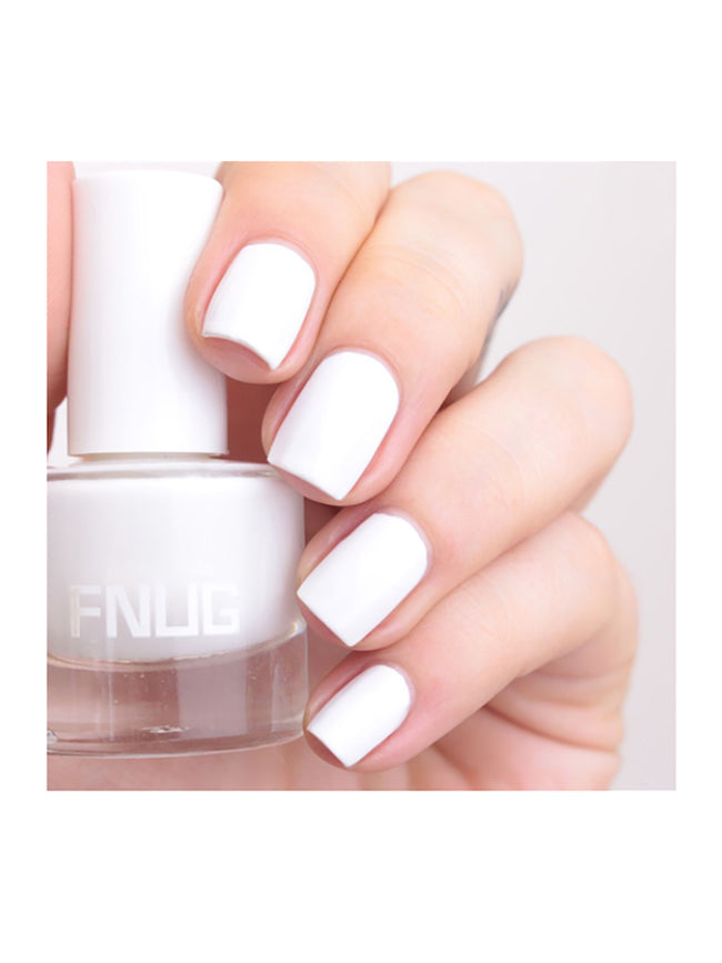NAIL POLISH ALL WHITE