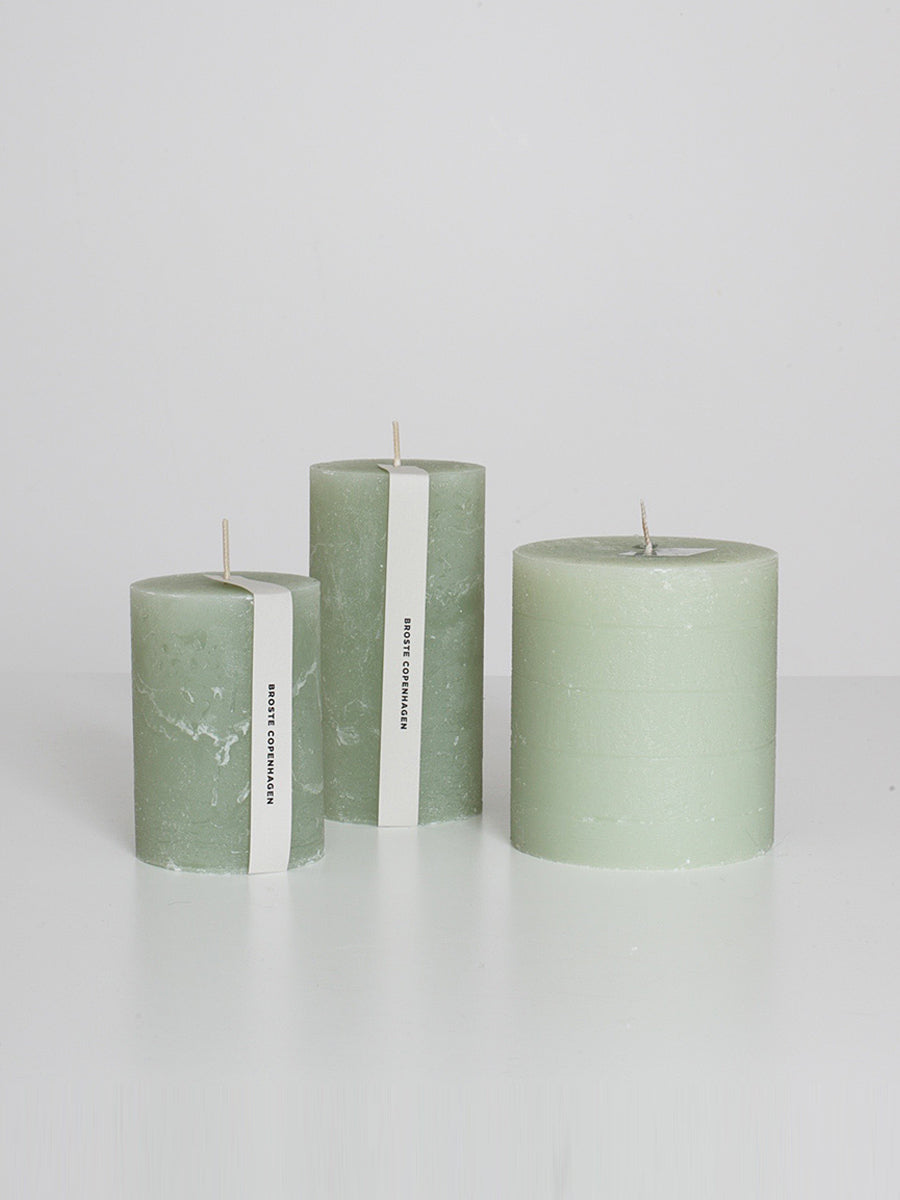 PILLAR CANDLE WIDE - FROST GREEN