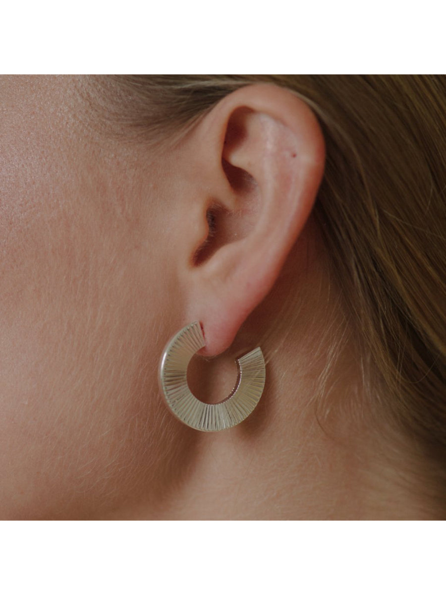 ANNIINA PLEAT HOOPS