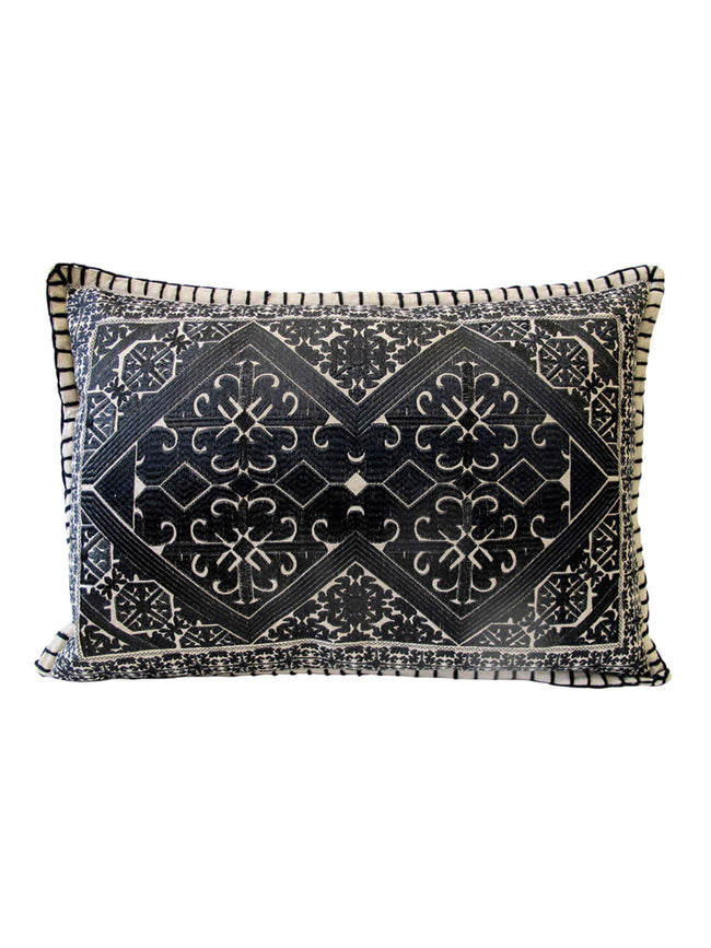 TRIBAL EMBROIDERY CUSHION L