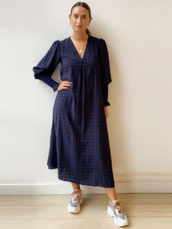 ANE CHECK DRESS - NAVY
