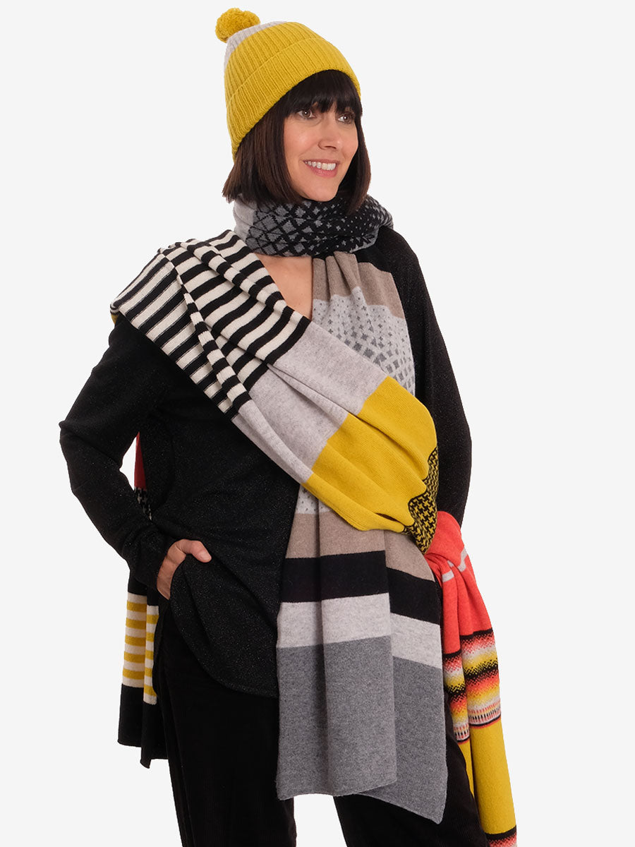 MERINO WOOL HOUNDSTOOTH SCARF - GRAPHIC MIX