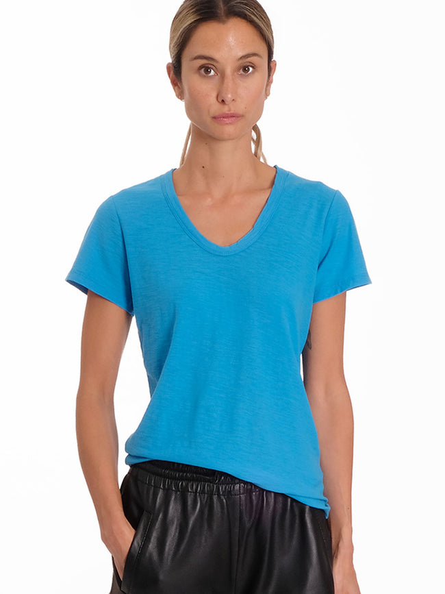 ANY2 SCOOP NECK TSHIRT - ELECTRIC BLUE
