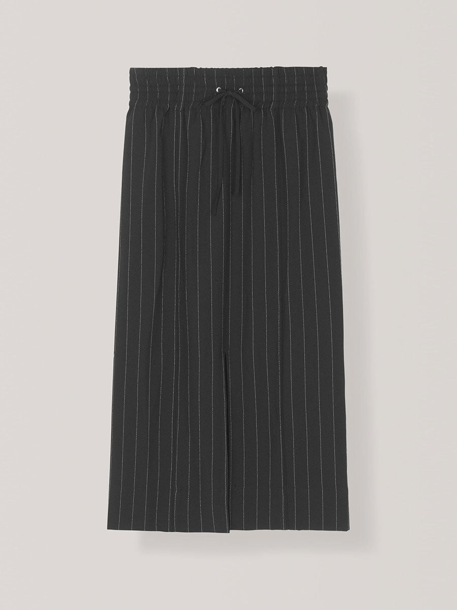 HEAVY CREPE SKIRT - BLACK