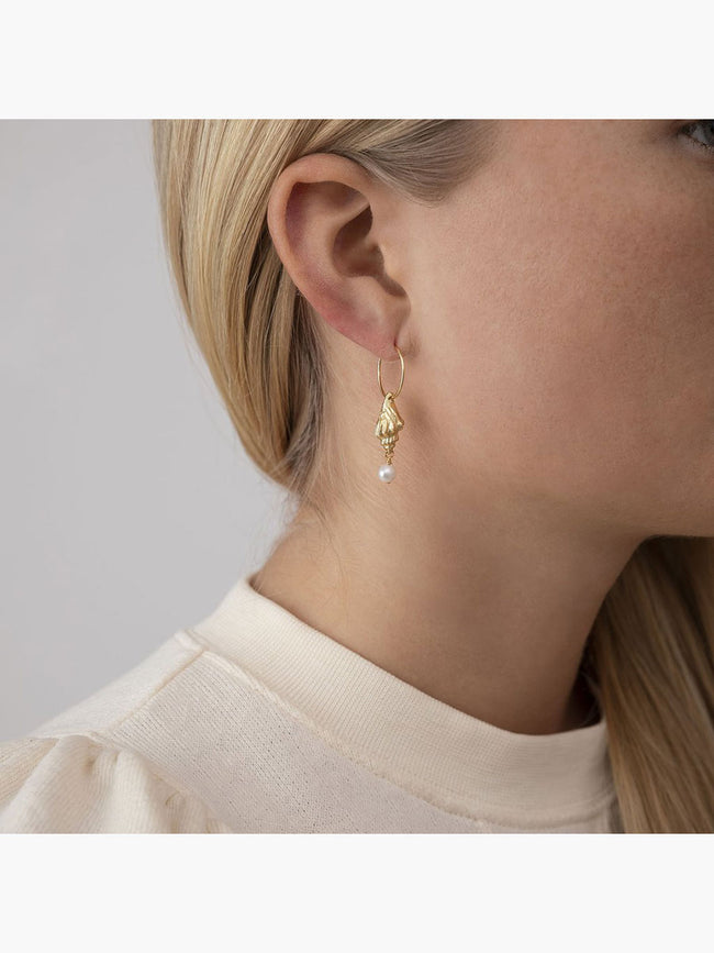 FLOATING SHELL HOOP EARRINGS - GOLD