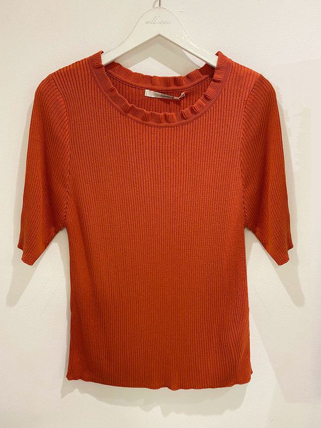 ELEANOR RIBBED KNIT TOP - SIENNA