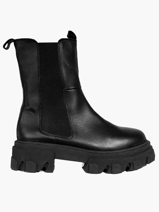 SONJA CLEATED CHELSEA BOOTS - BLACK