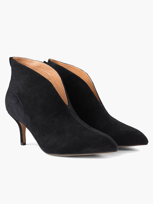 VALENTINE LOW CUT SUEDE BOOTS - BLACK