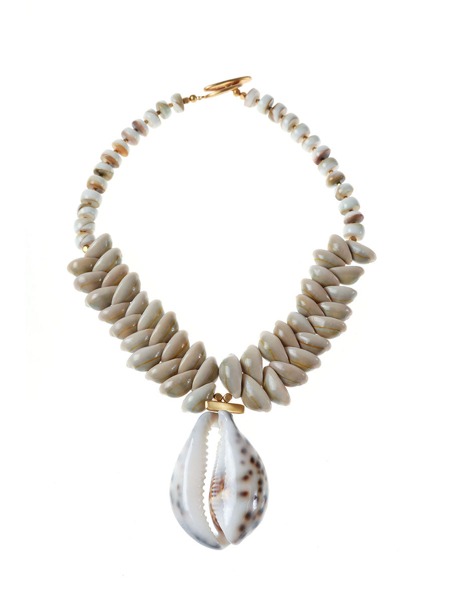 TAHITI SHORT CHUNKY SHELL NECKLACE