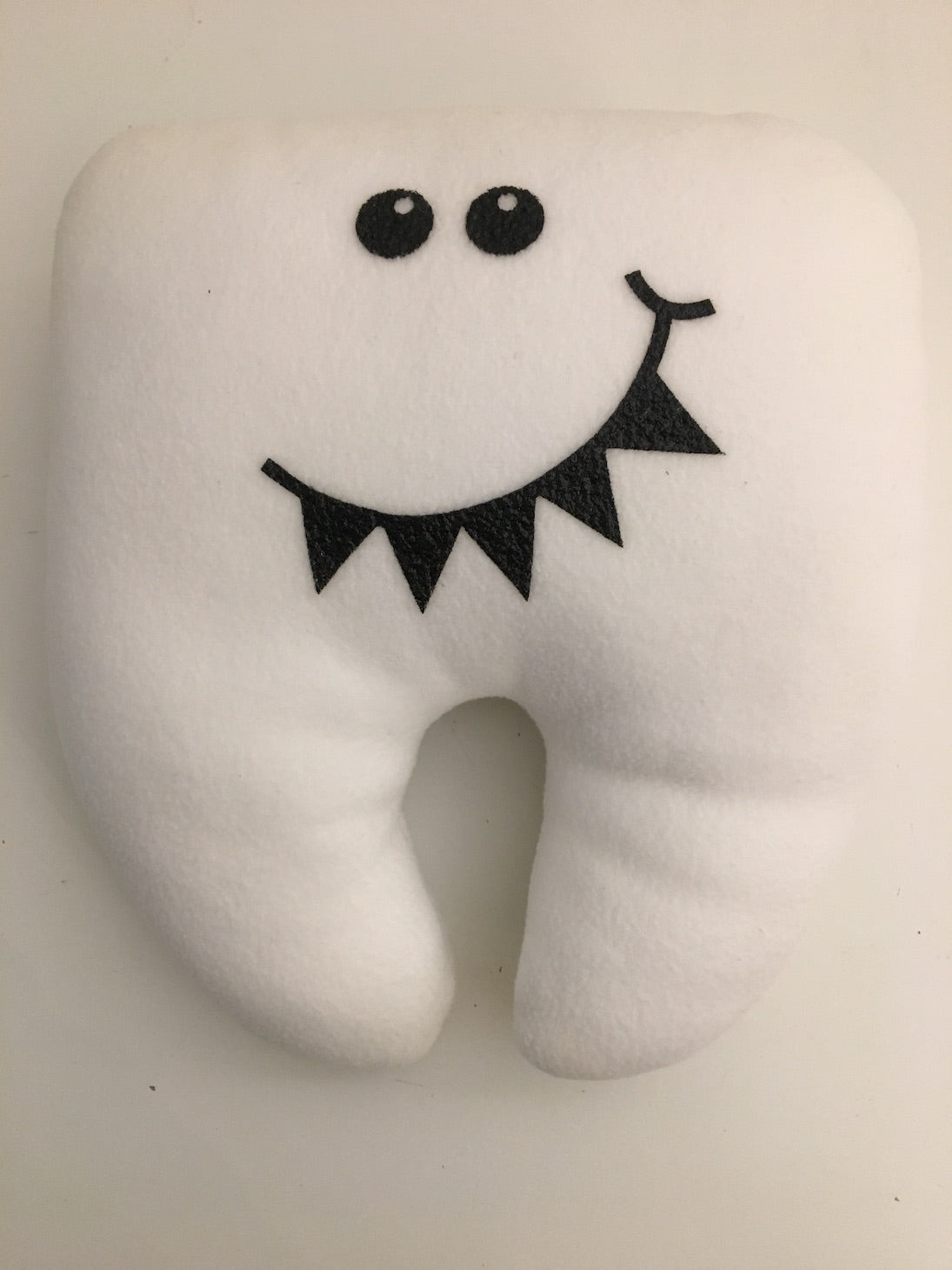 Fairy Tooth Pillow White Sharky