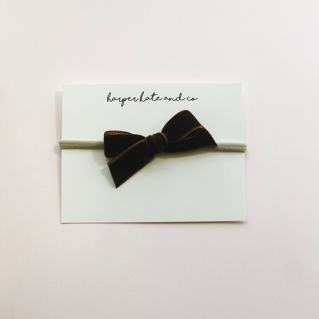 Chestnut • Thick Velvet Bow