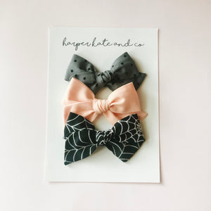 Spider Web Bundle • Small Hattie Bow Set