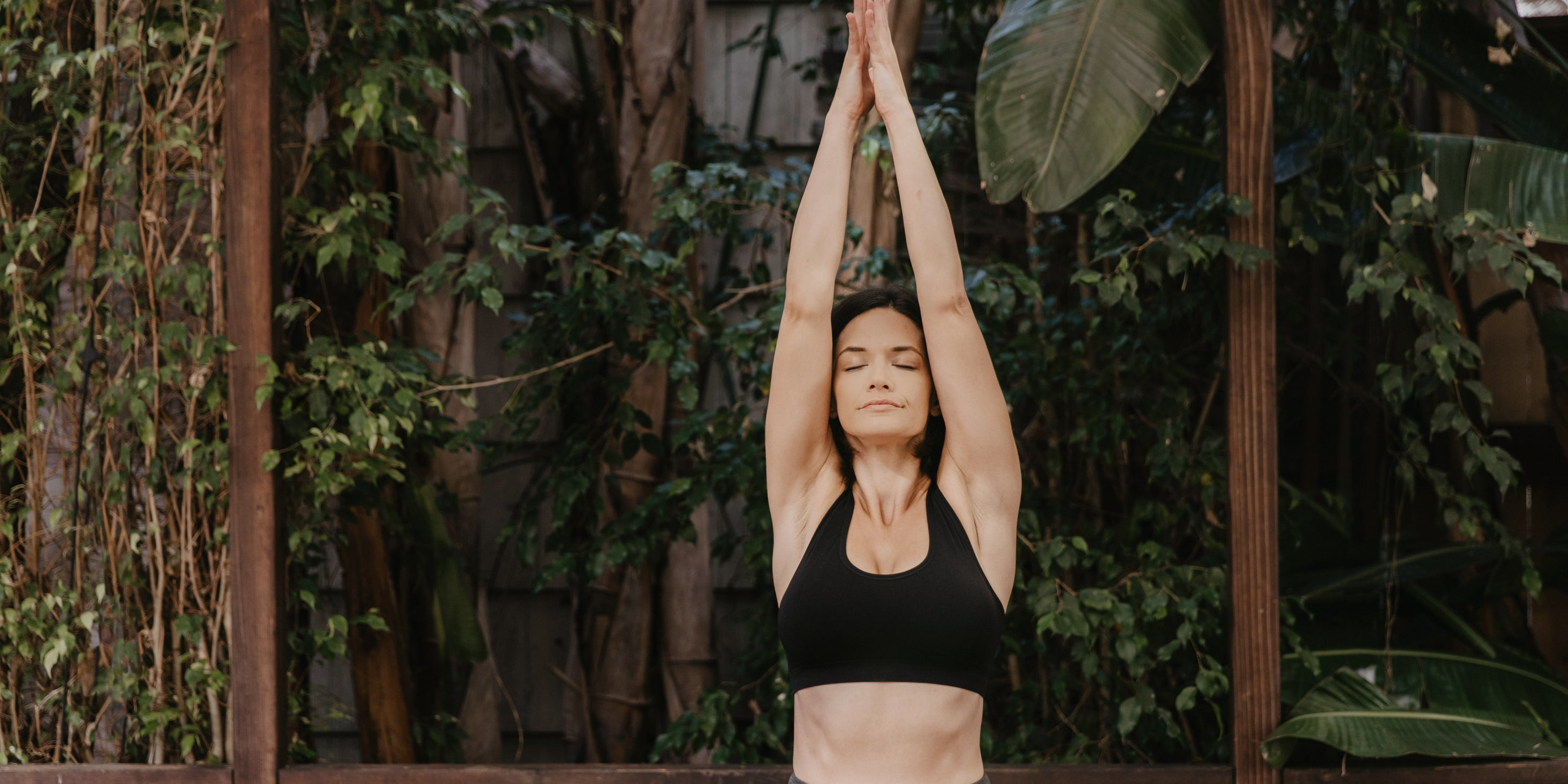 The 5 Best Yoga Poses to Stimulate Energy