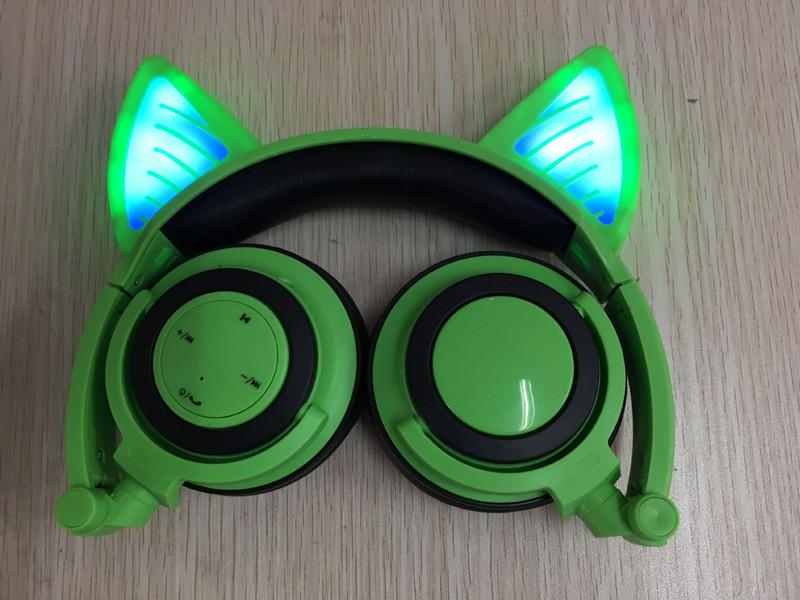 Glory® -  BLUETOOTH LED CAT EAR HEADPHONES (Wireless & Rechargeable) - 2017 Green