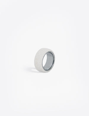 Yomo Studio 6mm light grey concrete circle ring.