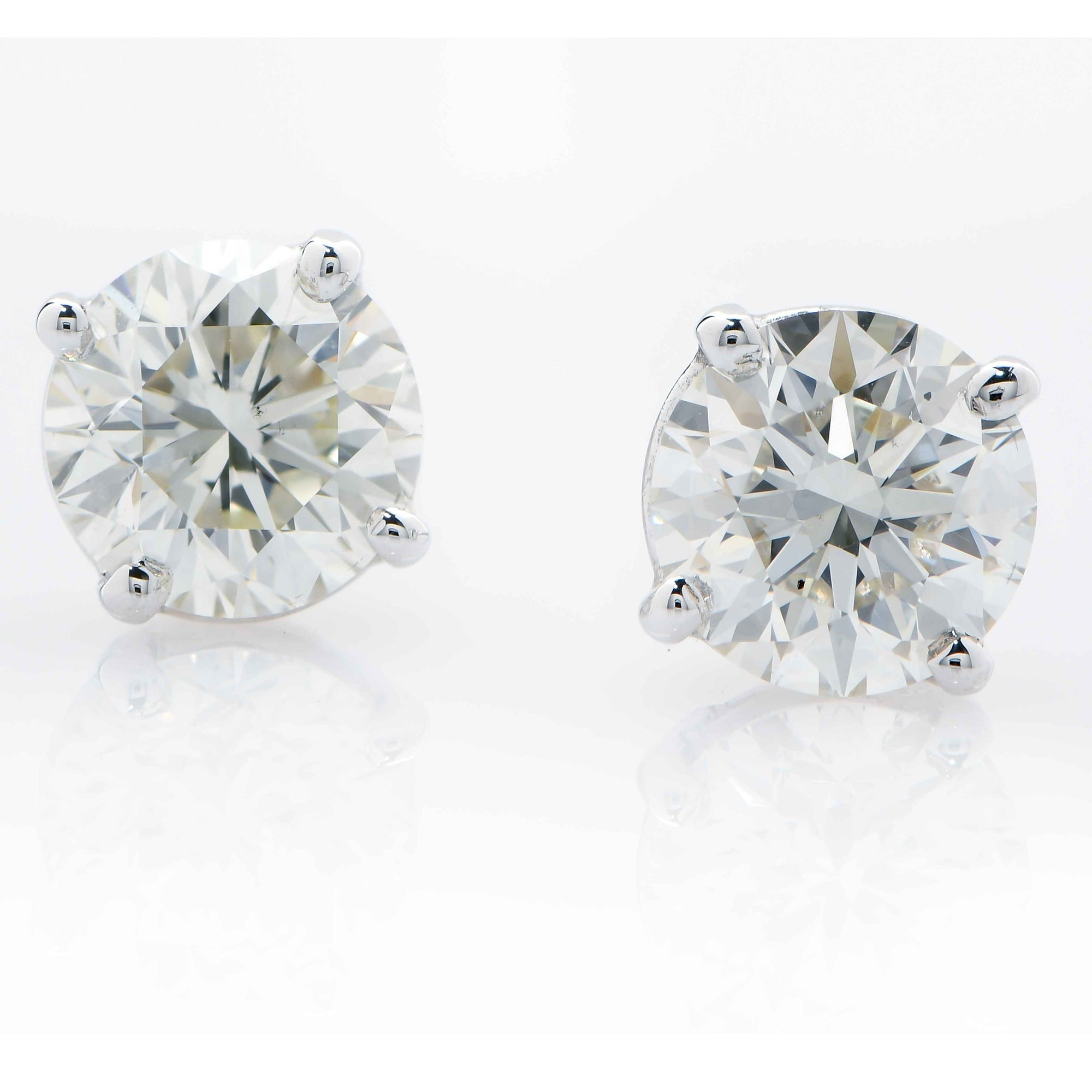 1.66 Carat Total Weight Diamond Stud Earrings