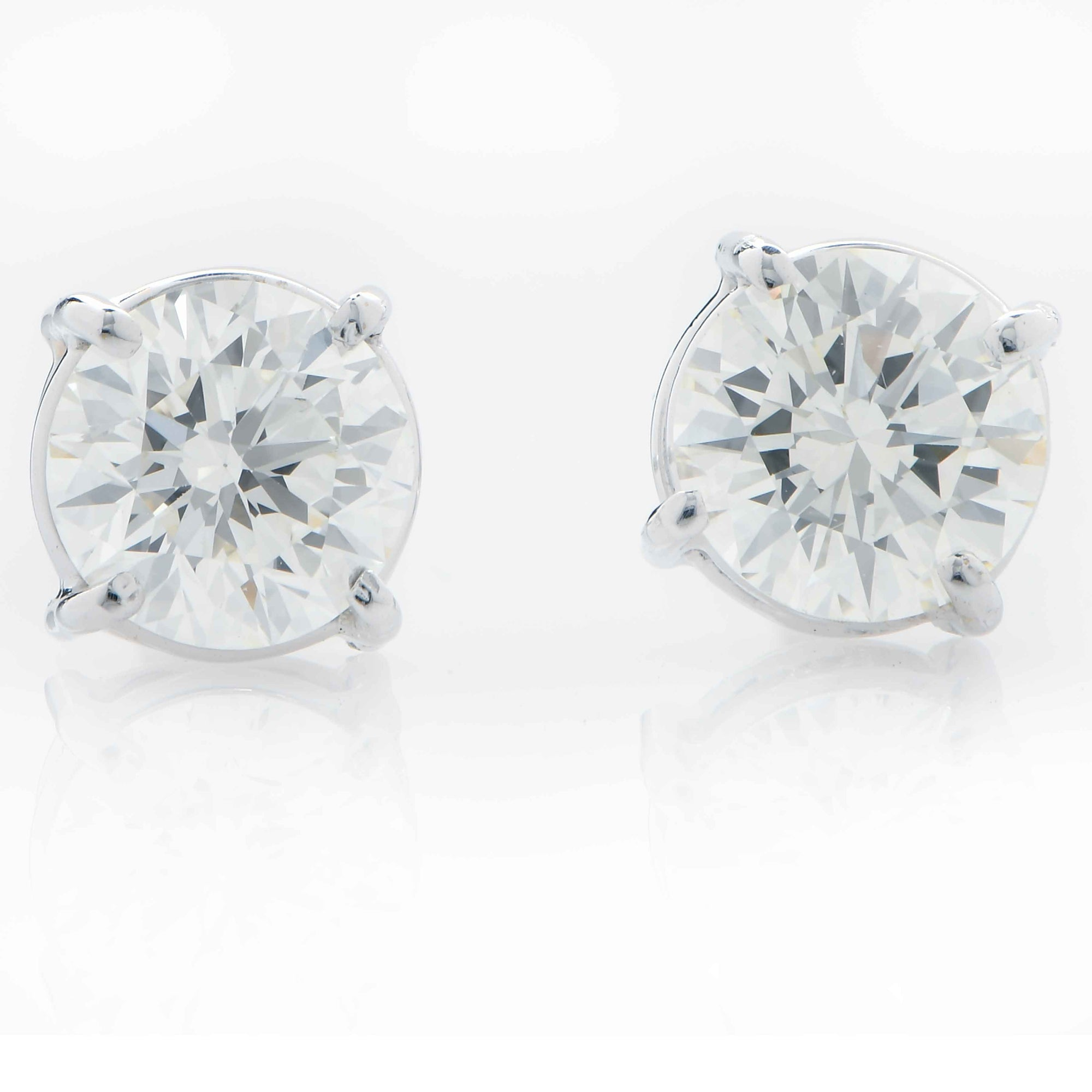1.48 Carat Total Weight Diamond Stud Earrings