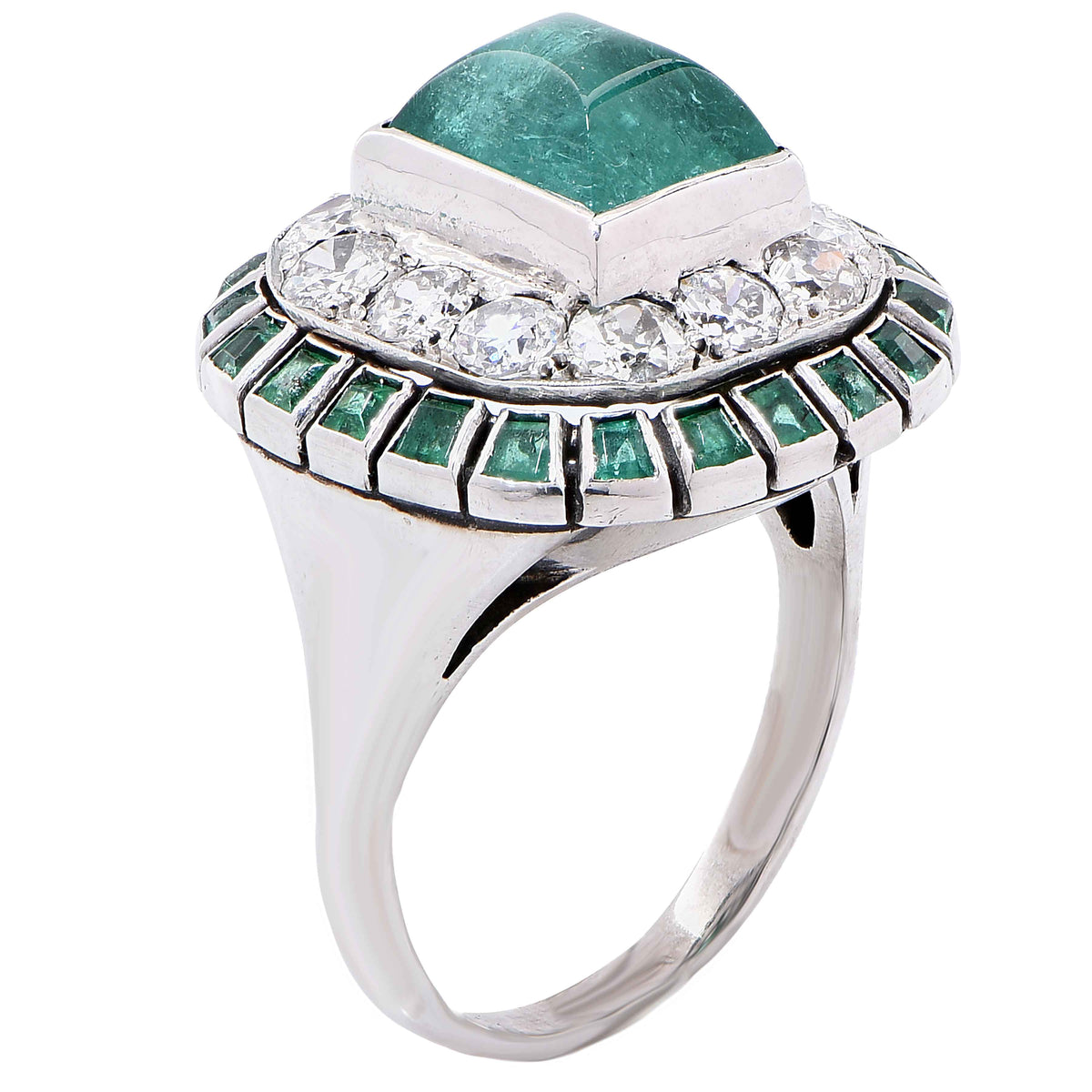 1920s Sugarloaf Cabochon Cut Emerald and Diamond 18 Karat White Gold Ring