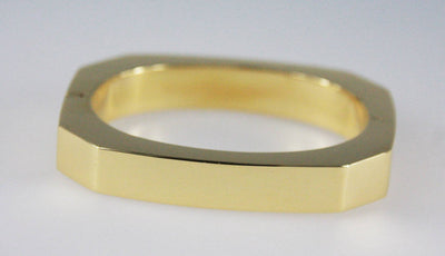 Italian 18 Karat Yellow Gold Bangle Bracelet Circa 1980