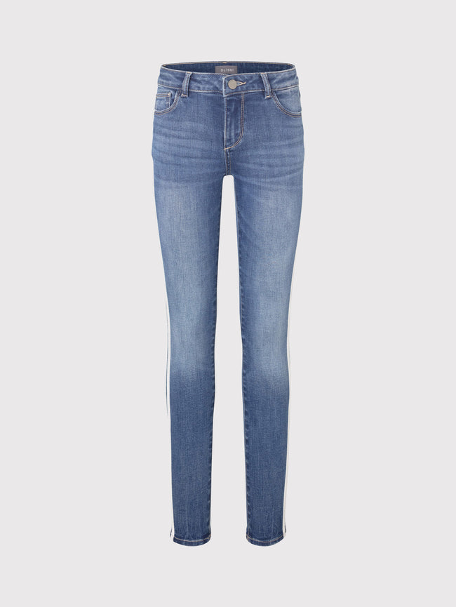 Chloe Skinny | Saturday