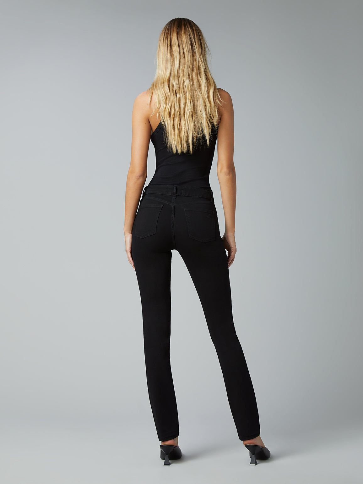 Coco Straight Mid Rise Curvy 34"