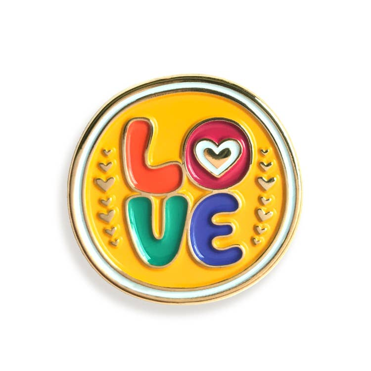 Custom Enamel Pin L♥︎ve - Pins